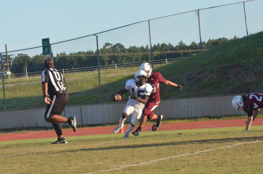 Sophomore+Andre+Thomas+with+the+ball.+%22Scoring+that+40+yard+touchdown+was+wow.+I+was+extremely+proud+of+myself%2C%22+Thomas+said.